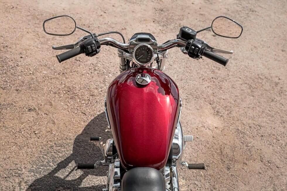 harley-davidson-1200-custom-03